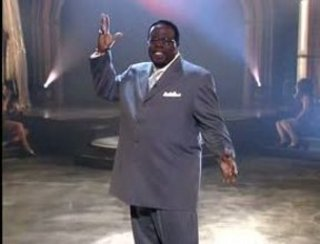 cedric the entertainer cafeteria lady